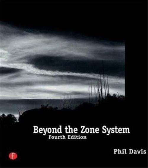 Fester Einband Beyond the Zone System von Phil Davis